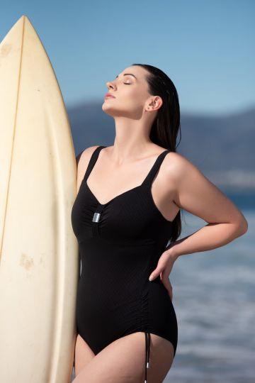 Badeanzug mit Bügel